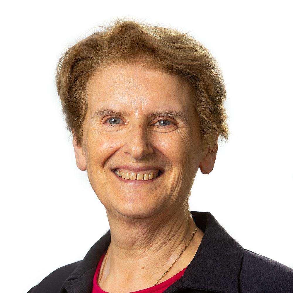 Dr Julie Pryor